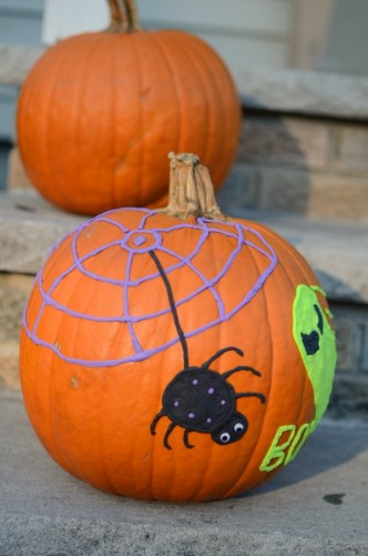 No carve pumpkin idea - CUTE idea for pumpkin decorating at a Halloween party!