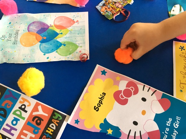 Make a really big birthday card - fun birthday project for kids!