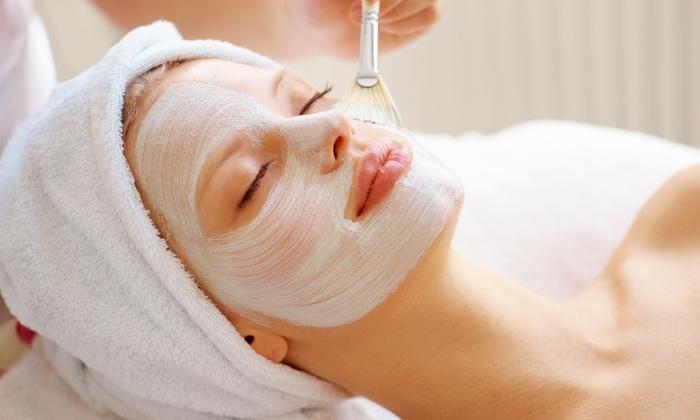 Facial Waxing at Home Versus Spa – A Comparison