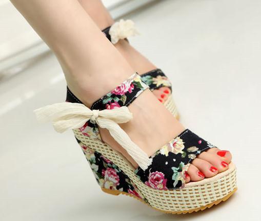dark triad shop- floral print sandal