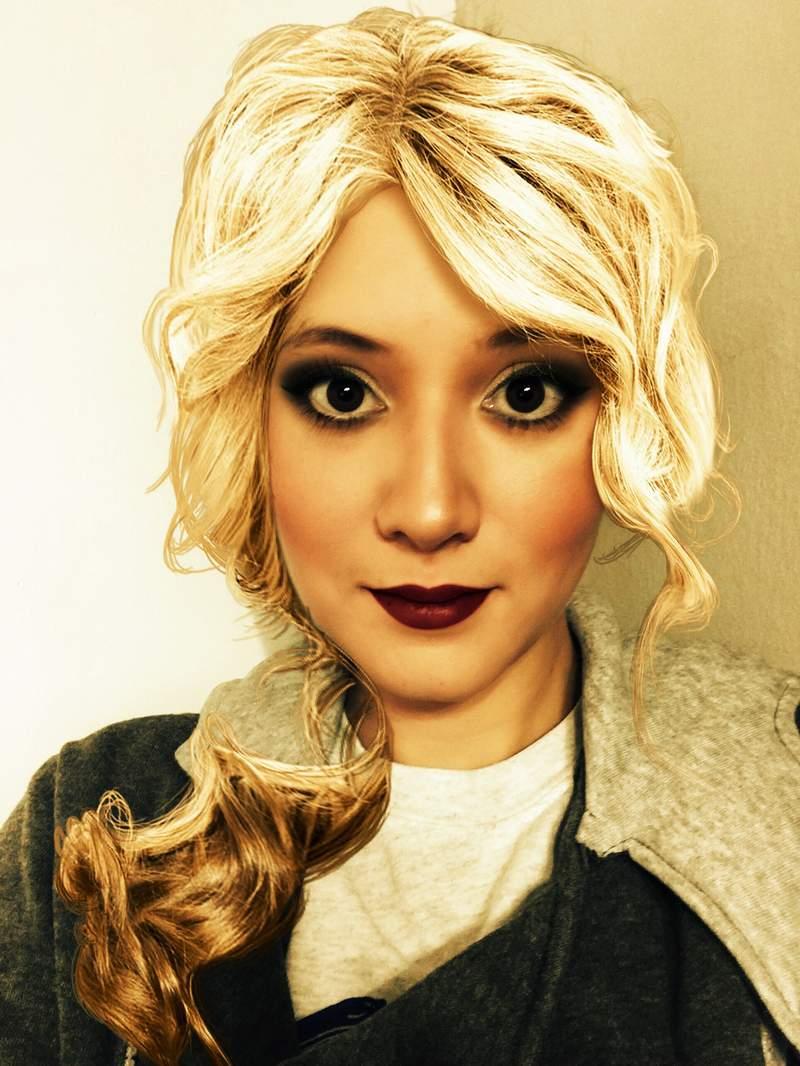 Autumnal Dancer's Author Mandy Nachampassack Maloney Gets into Evenarri Inspired Look