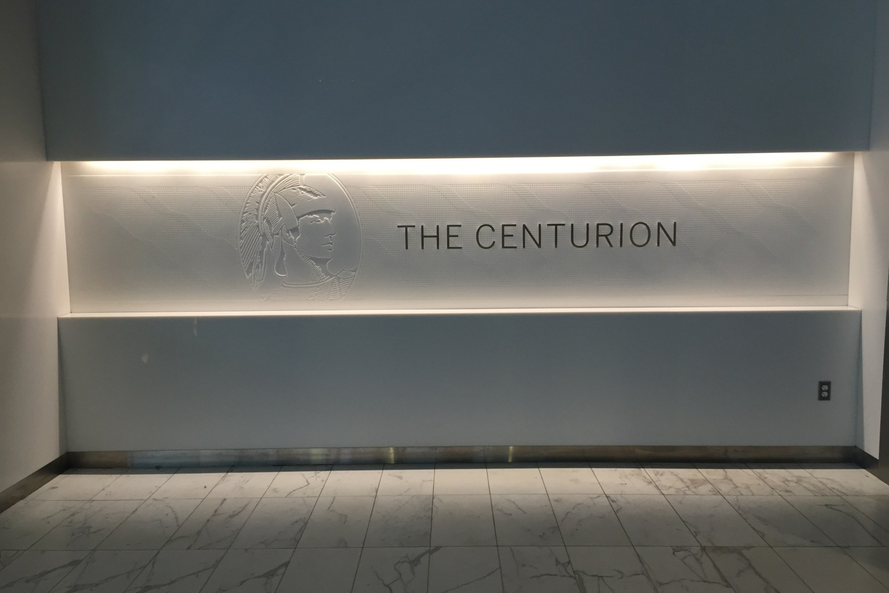 dfw dallas centurion lounge american express review