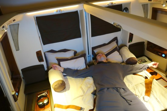 Singapore airlines suite class first bed sq lax sin A380