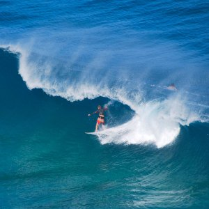 Surfing-Kauai's-North-Shore