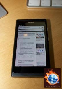 NOKIA N9 - MeeGo Smartphone