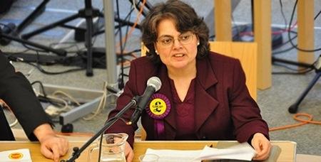 Dr Julia Gasper