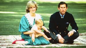 Lady Di y el príncipe Carlos con el pequeño príncipe Guillermo.