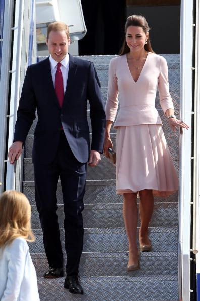 Y otra vez McQueen, esta vez de rosa y con el pelo semirecogido.