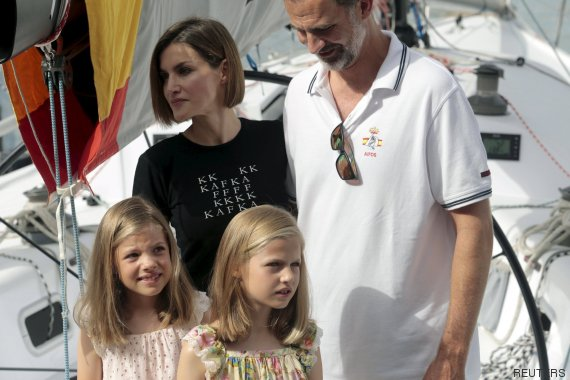 Spain's King Felipe and Queen Letizia pose with their daughters Princesses Sofia and Leonor in Palma de Mallorca