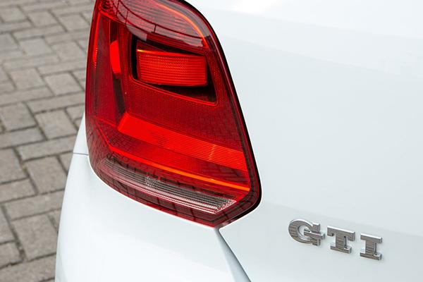 2016 Volkswagen Polo GTI (UK)