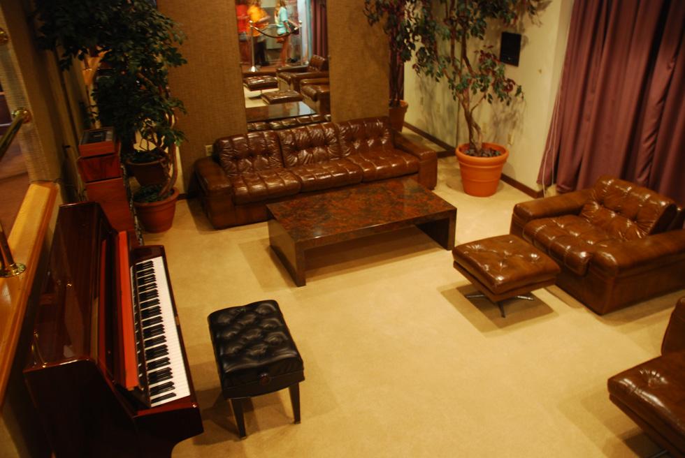 Elvis Presley Graceland Piano Room