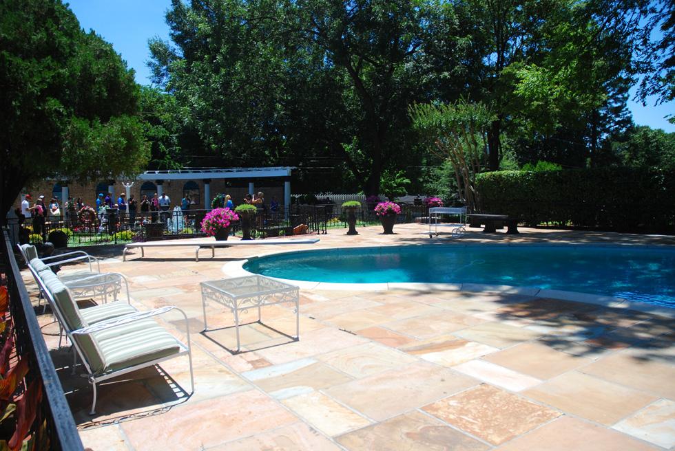 Elvis Presley's Graceland Swimming Pool
