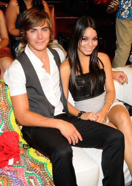 Its over: images of her ex michelle rodriguez kissing zac efron confirmed caras relationship with the actress was