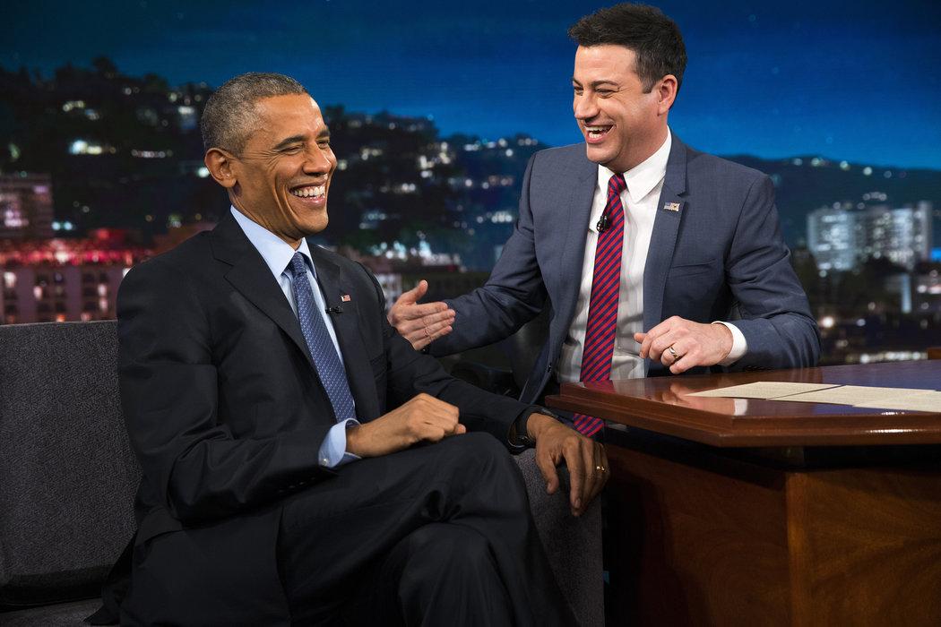 """Обама ги забавуваше гледачите со """"злобни твитови"""""""