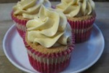 Vanilla-Caramel Angel Food Cupcakes