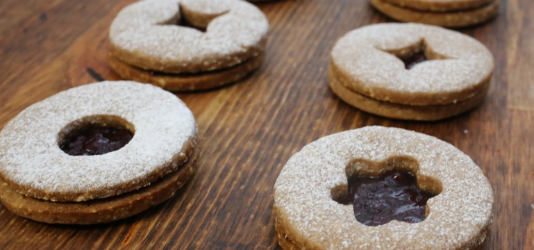 Traditional Linzer Cookies | Pork Cracklins