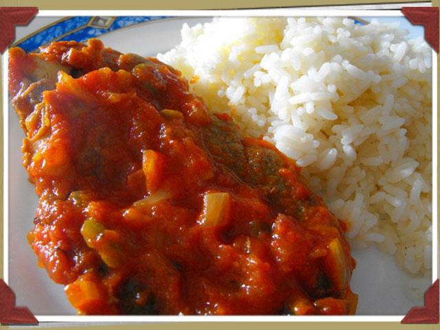 Chuletas con tomate al curry