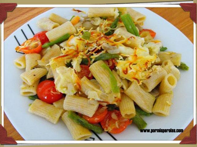 Macarrones integrales con verduras y queso