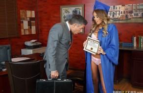 fotos Pornstar colegiala se folla al rector de la universidad