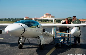 Radar passif embarqué dans un avion de l'ONERA. © C. Séry / Armée de l'air