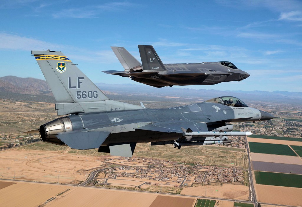 F16_Fore_F35_Rear_Wide