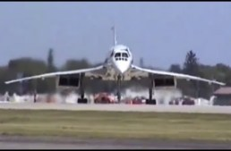 Concorde at Oshkosh 1997