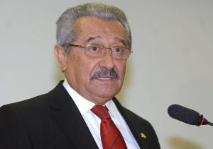 Maranhão não crê em 'levante' dentro do PMDB e alfineta quem tem cargo no governo Ricardo