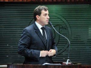 Gervásio reabre Parlatório do Povo com sessão especial e movimentos sociais