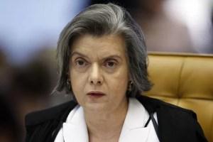 'País sempre vai sobreviver', diz Cármen Lúcia sobre crise política