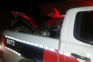 Em Nova Floresta-PB meliantes rouba moto em assalto e Polícia recupera veículo durante perseguição