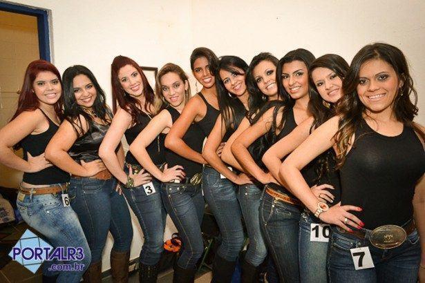 10 candidatas concorreram aos postos de rainha e princesa da festa. (Fotos: PortalR3)