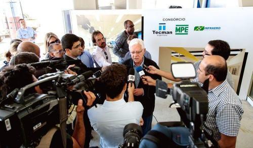 VÍDEO: Ministro entrega obras do aeroporto de São José dos Campos