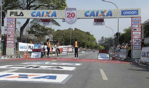 Queniano Paul Kangogo vence a 20ª Maratona Internacional de São Paulo