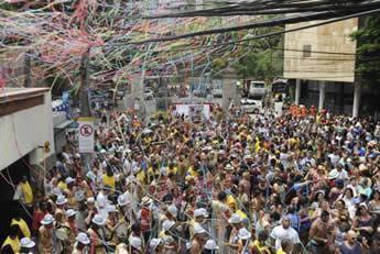 Carnaval do Rio começa com desfiles de blocos de bairros
