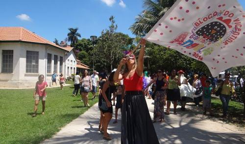 """São José: Carnaval no """"Vicentina Aranha"""" tem oficina de adereços e Bloco Galinha D'Angola"""