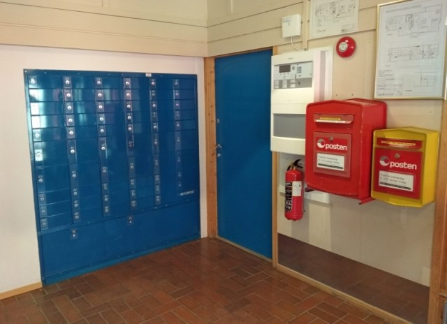 Dentro de la oficina de correos de Longyeargyen en el archipiélago de Svalvard, a 78º 13' Norte.