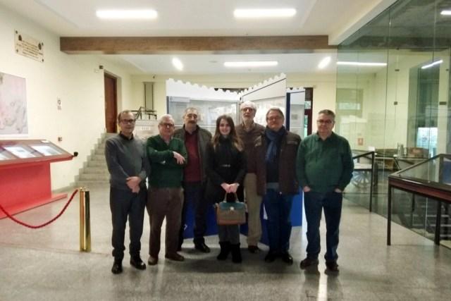 Una de las visitas de miembros de la Sociedad Filatélica