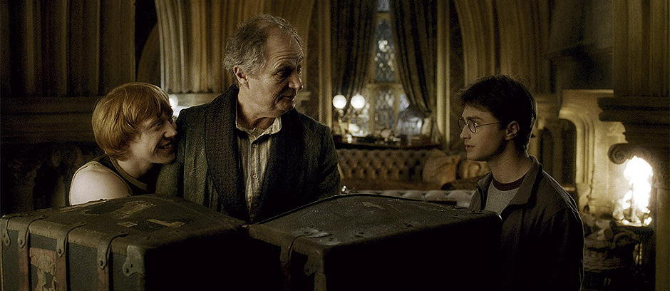 "(L-r) RUPERT GRINT as Ron Weasley, JIM BROADBENT as Professor Horace Slughorn and DANIEL RADCLIFFE as Harry Potter in Warner Bros. Pictures' fantasy adventure movie ""Harry Potter and the Half-Blood Prince."" NOTE; THIS PHOTO WAS DOWNLOADED BY CONSENTING TO AN AGREEMENT THAT IT WOULD NOT BE USED OUTSIDE THE LOS ANGELES TIMES. WE RECEIVED SPECIAL PERMISSION TO KEEP THIS PHOTO IN OUR DATABASE BEYOND THE STATED 90 DAY RESTRICTION. CAN BE USED ONLY IN EDITORIAL. NO ADS, SALES, ETC. PERMISSION GIVE BY JESSE MESA,WARNER BROS. PHOTO (818) 954-6256."