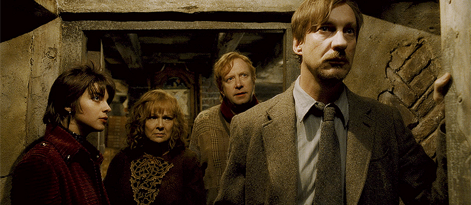 "HP6-FP-00102 (L-r) NATALIA TENA as Nymphadora Tonks, JULIE WALTERS as Molly Weasley, MARK WILLIAMS as Arthur Weasley and DAVID THEWLIS as Remus Lupin in Warner Bros. Pictures' fantasy adventure ""Harry Potter and the Half-Blood Prince."""
