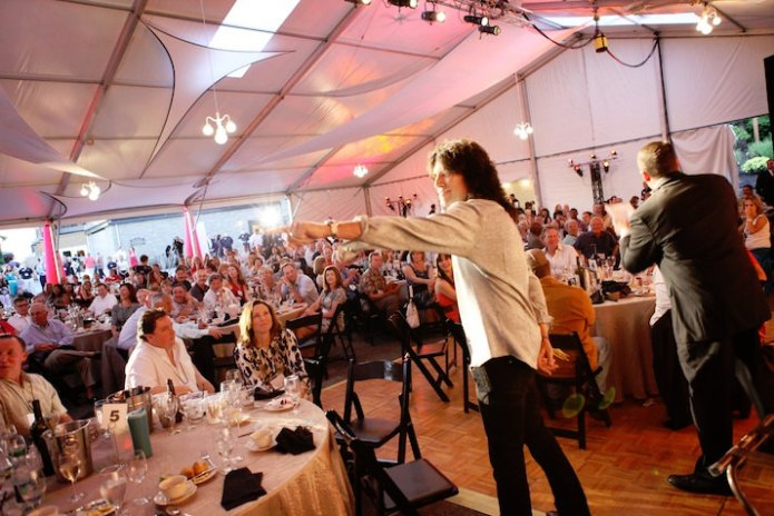 Tommy Thayer got the crowd excited during the live auction.