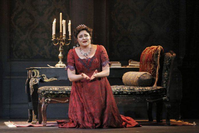 Kara Shay Thomson as Tosca, © Portland Opera / Cory Weaver