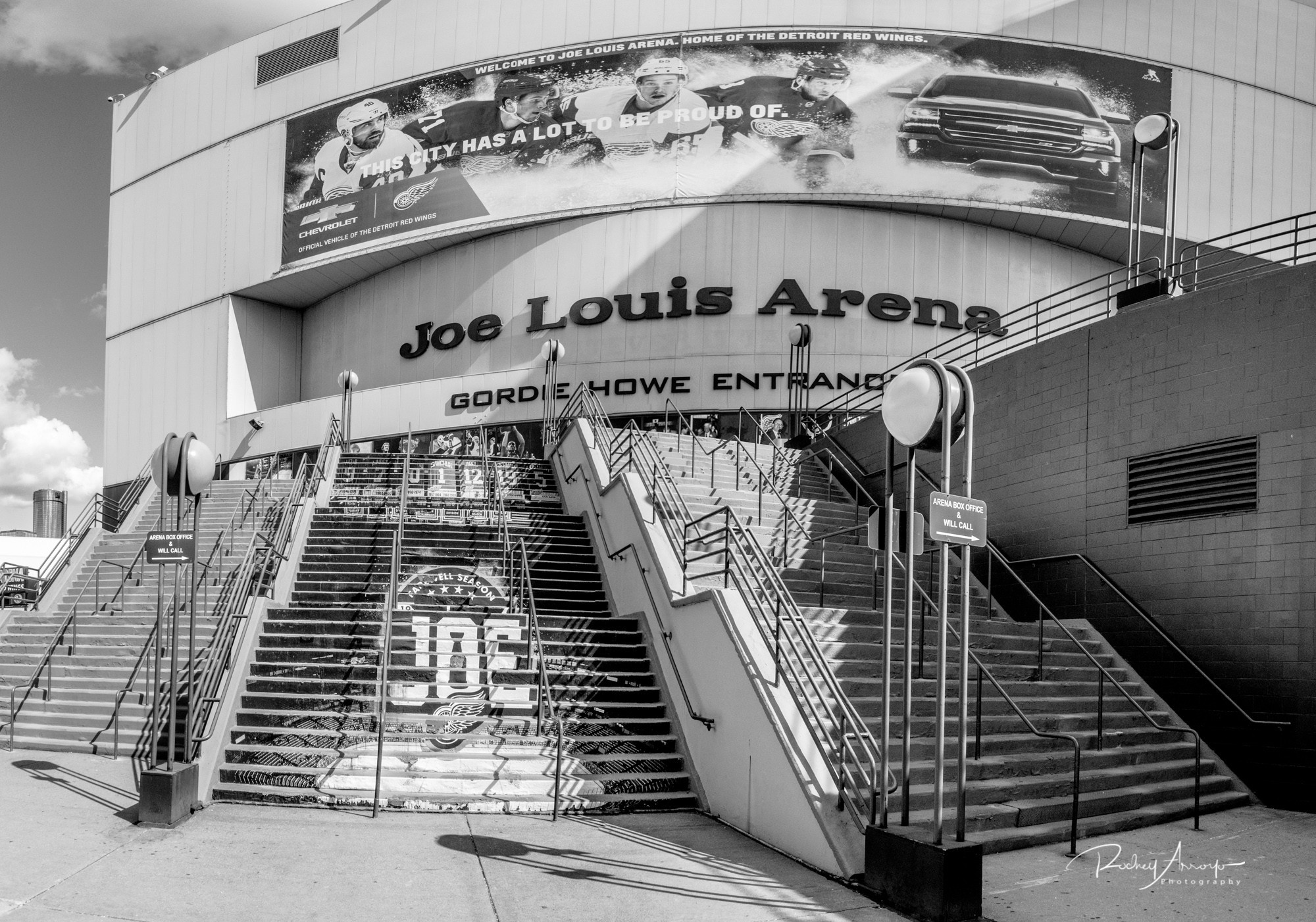 Joe Louis Arena--1504968736158