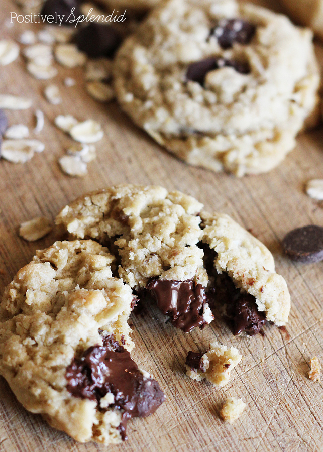 Cowboy Cookies - Chewy cookies with oatmeal, chocolate chips and coconut. Yum!