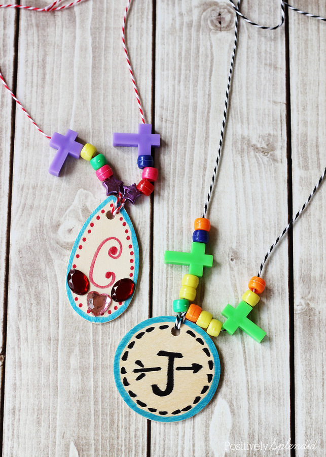 Cute medallion necklaces for kids. Easy and fun!