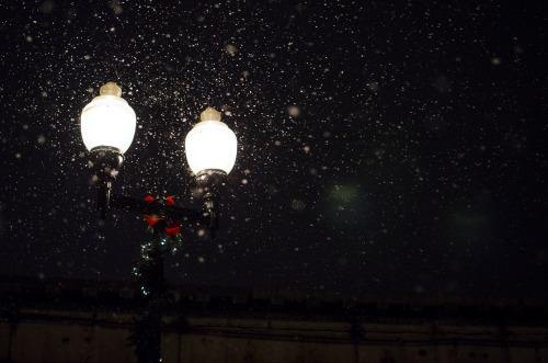 lamppost-snow