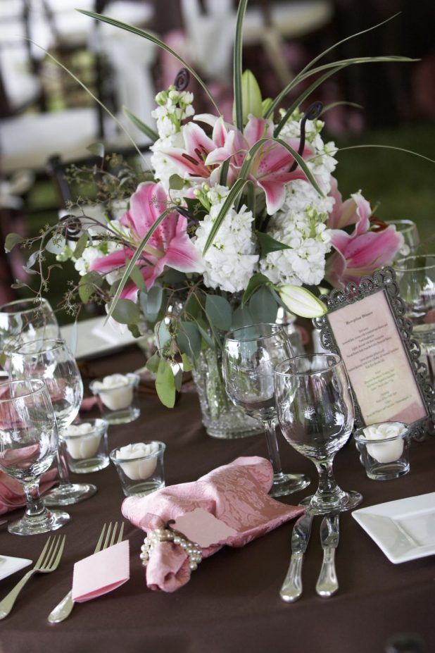 wedding-table-decoration1 +5 Tips to Decorate Your Outdoor Wedding