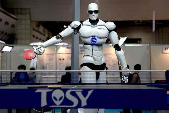 robot-playing-ping-pong-in-tokyo 7 Newest Robot Generations and Their Uses