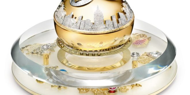 dkny-2011-golden-delicious-million-dollar-bottle-set-hi-res