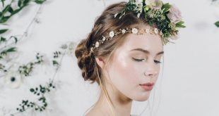 50+ Most Creative Ideas to Put Flowers in Your Hair …