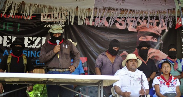 """En Ostula """"criminal actuación de corporaciones militares y policiacas y su complicidad con el crimen organizado"""", denuncia CNI y EZLN."""